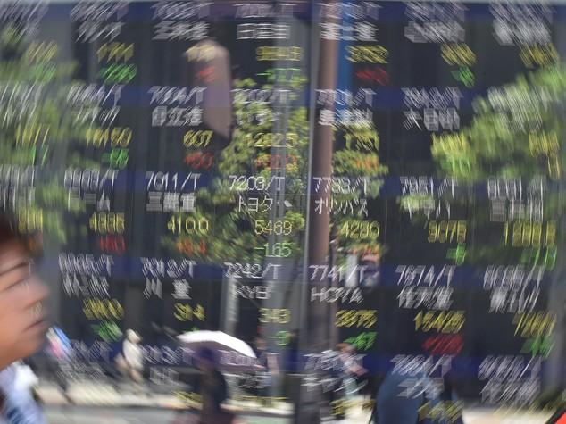 Borsa Tokyo chiude ancora in rialzo, Nikkei +0,47%