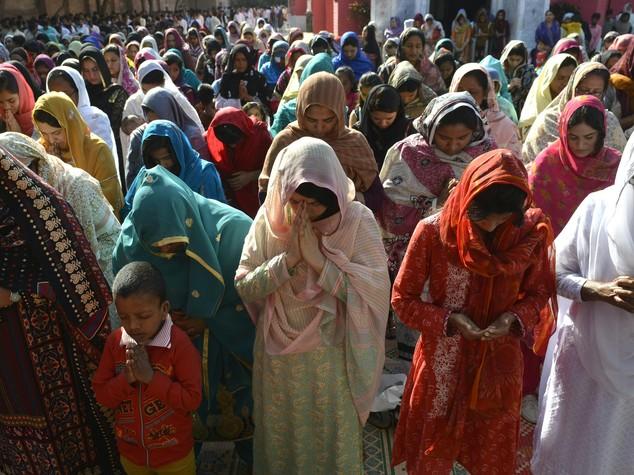 Orrore in Pakistan, bruciata viva perchè rifiuta matrimonio