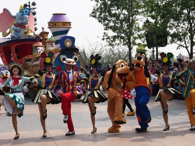 L'eterna giovinezza dei parchi a tema, 5 miliardi per Disneyland Shanghai