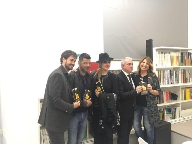 Milly e Selvaggia presentano il libro di De Andreis -   VIDEO