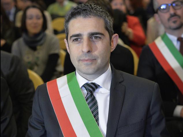 """Roma, Pizzarotti attacca """"direttorio M5S si dimetta"""""""