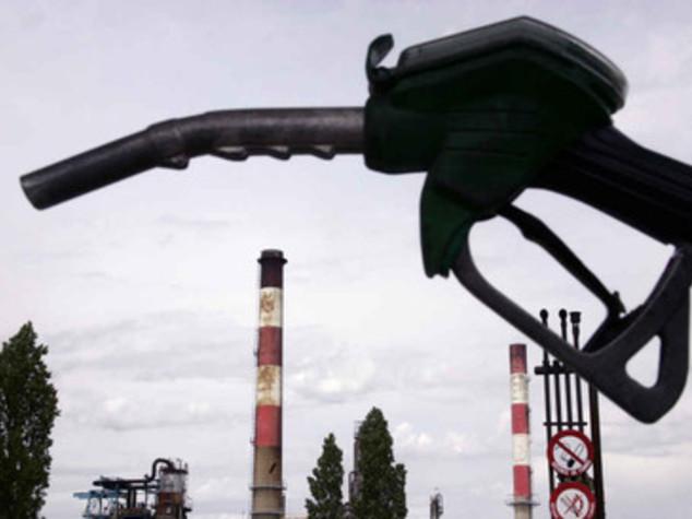 Petrolio: Up, consumi in calo 5,8% a luglio