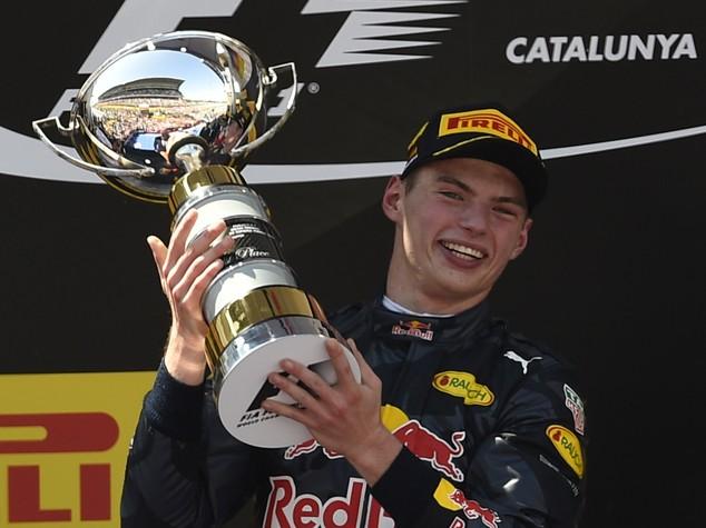 Il 18enne Verstappen trionfa in Spagna, Ferrari sul podio