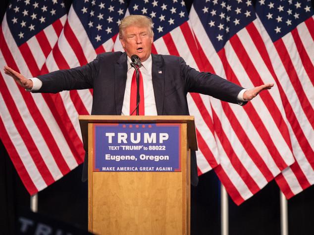 Trump compie 70 anni, i primi auguri da suprematisti indiani