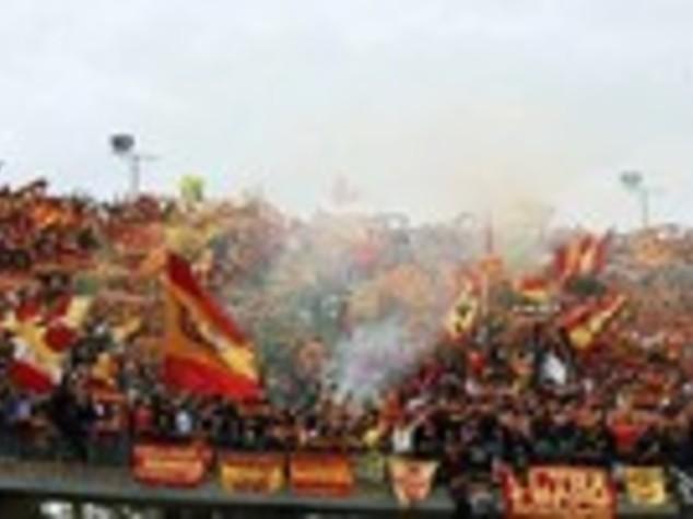 Calcio: Lecce, 15mila euro di multa per esplosione petardi
