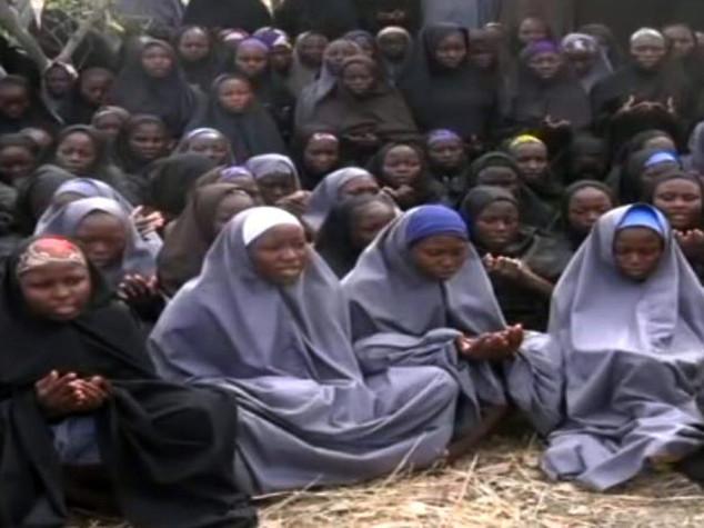 """Boko Haram filma studentesse rapite, """"sono ancora nostre"""""""