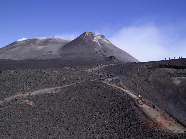 Allerta gialla sull'Etna, potrebbe eruttare