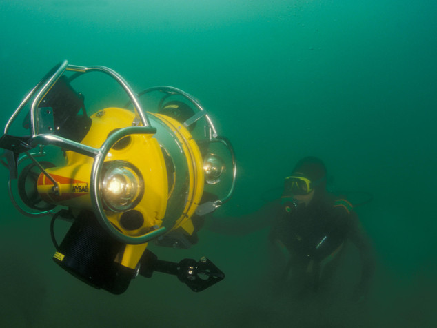 Aquatic robot helps make archaeological discoveries