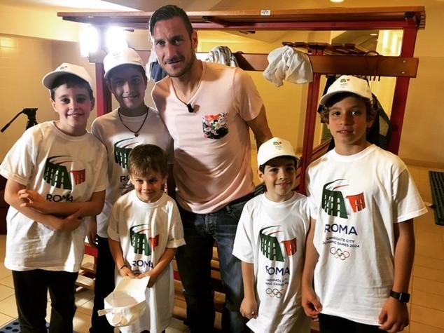 """Totti """"Roma merita i Giochi, sognavo di fare benzinaio"""""""