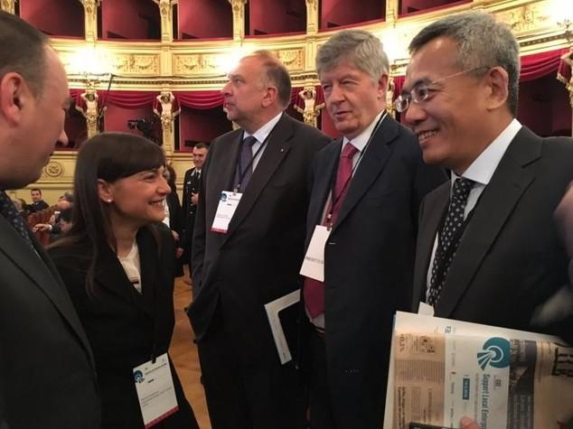 Italia-Cina: Serracchiani, Mare Adriatico terminal privilegiato