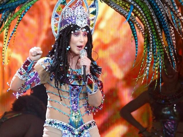 Auguri Cher, la barbie della musica spegne 70 candeline- FOTO