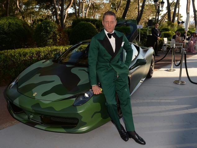 Asta per lotta Aids, 1 milione per la Ferrari di Lapo Elkann