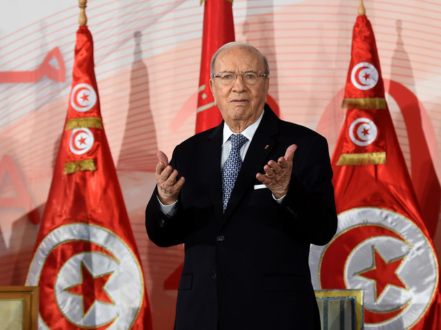 Tunisia: firmato accordo per nuovo governo di unita' nazionale