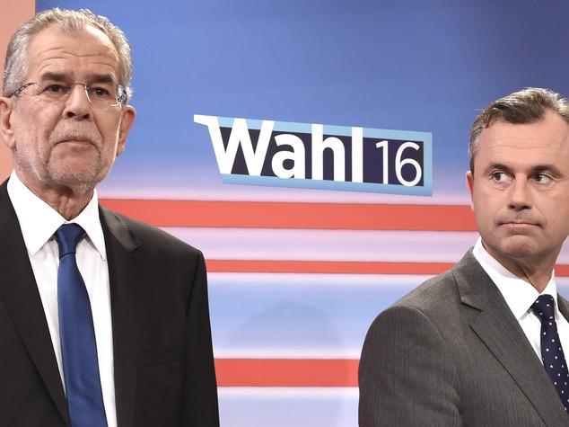 Ballottaggio al foto-finish, 700mila voti decisivi in Austria
