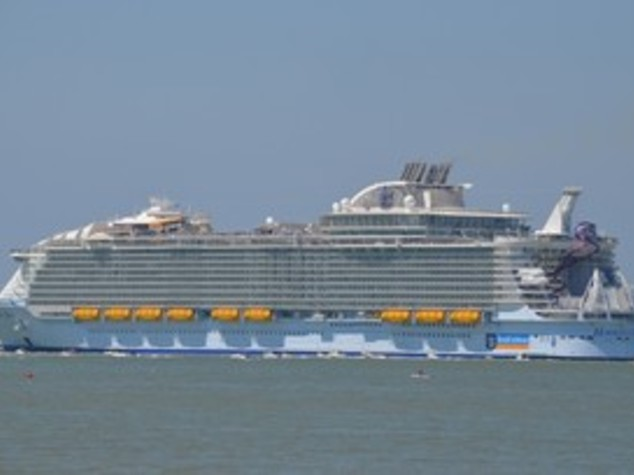 Debutta Harmony of the seas, la nave dei record - FOTO
