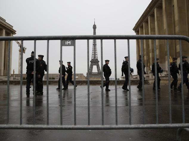 Evacuata Torre Eiffel ma era solo un'esercitazione