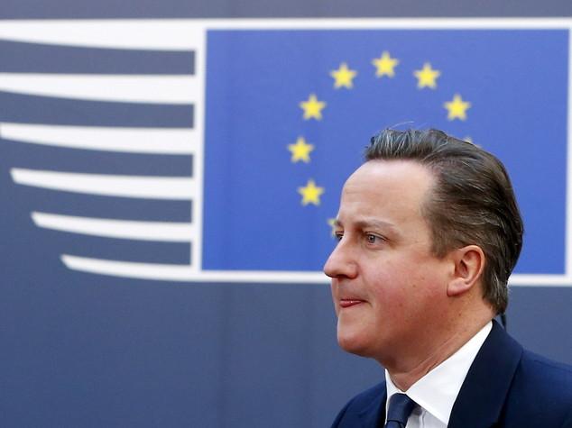Cameron minaccia, con Brexit tasse e tagli