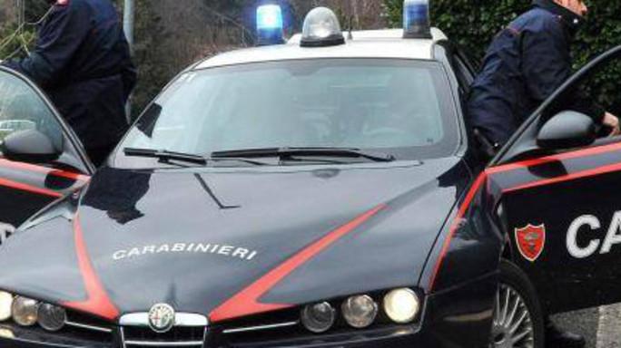 La fidanzata lo lascia, lui va dai carabinieri e si fa arrestare