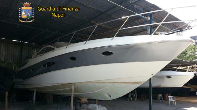 Napoli, contrasto alla criminalità organizzata: sequestrato yacht di lusso