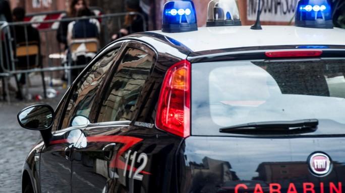 Uomo trovato morto in pineta a Viareggio