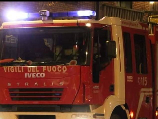 Frana sulla Salaria, notte di lavoro per i vigili del fuoco