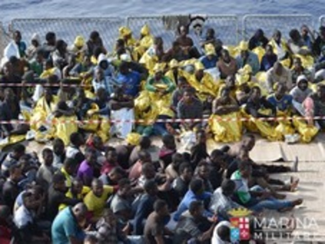 In 370 sbarcano a Vibo,ci sono donne incinte e bambini