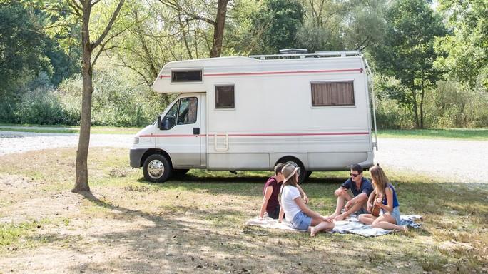 Estate sotto le stelle, 6 milioni trascorrono vacanze in camper e tende