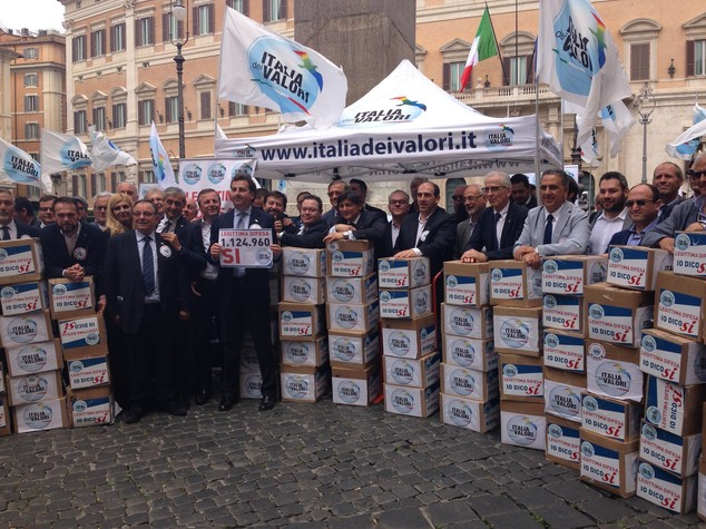 Legittima difesa, Idv porta in piazza un milione firme
