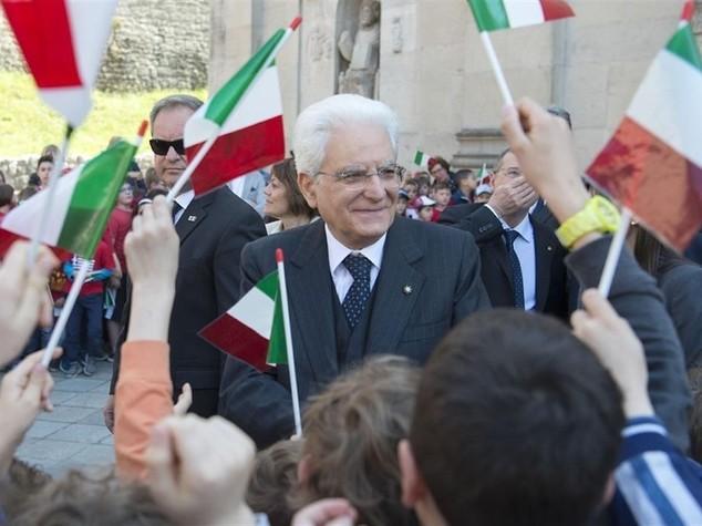 """Mattarella """"2 giugno, un Paese migliore"""""""