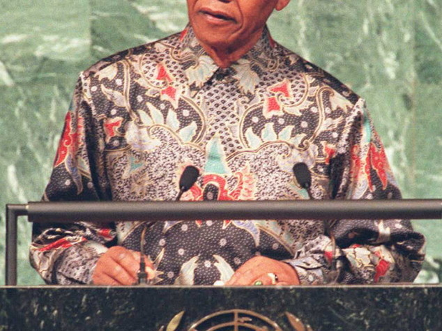 Sudafrica: lettera Mandela battuta all'asta per 3.700 euro