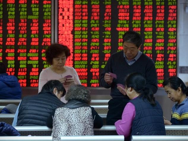 Borse asiatiche: chiudono miste, Hong Kong +0,2%