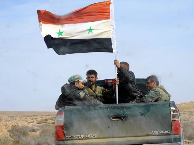Siria: truppe Damasco in provincia Raqqa, prima volta dal 2014