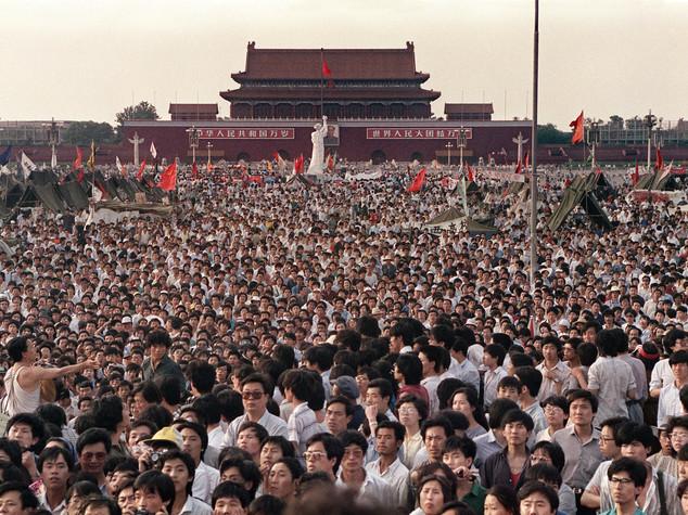 """Governo cinese vuole scordare Tiananmen, oggi """"un giorno normale"""""""