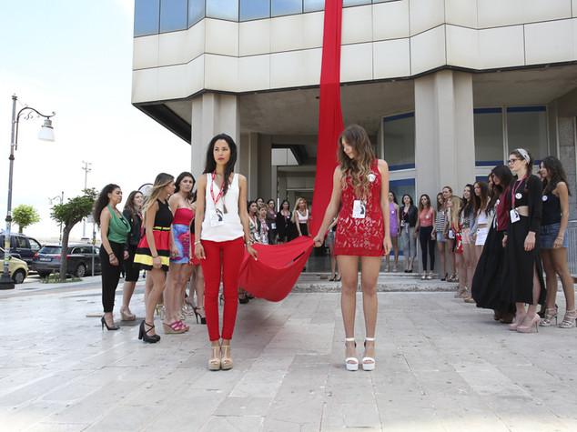 Flashmob a Miss Mondo Italia contro il femminicidio