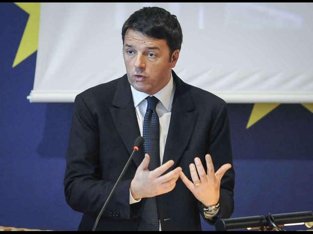 Mafia a Roma: Renzi, uno schifo Spuntano contatti tra clan e vip