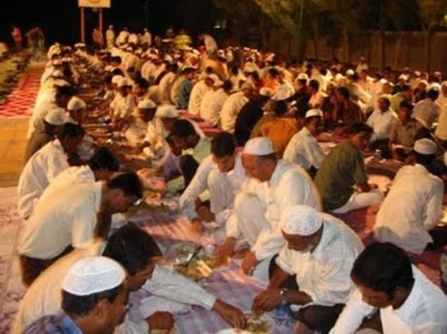 Ramadan: il bon ton dei non musulmani, ecco le 5 regole