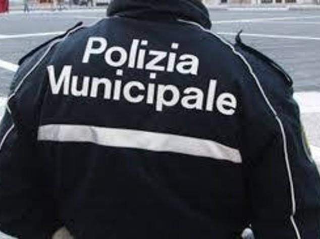 Ciclista investito e ucciso da furgone su pista ciclabile a Roma