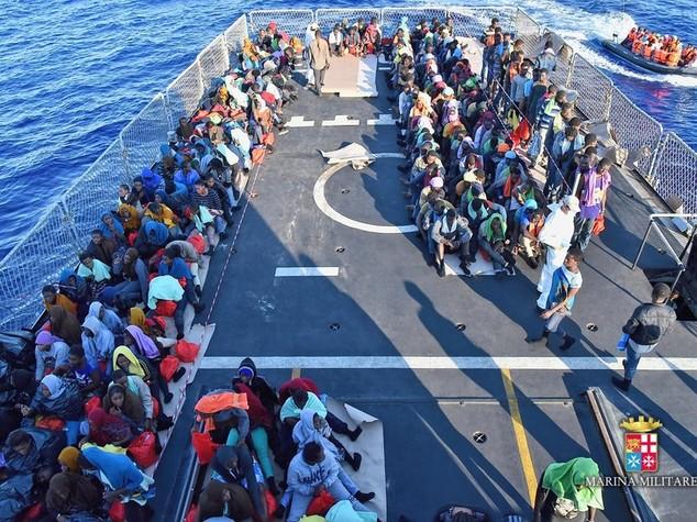 Migranti, 735 soccorsi nel Canale di Sicilia