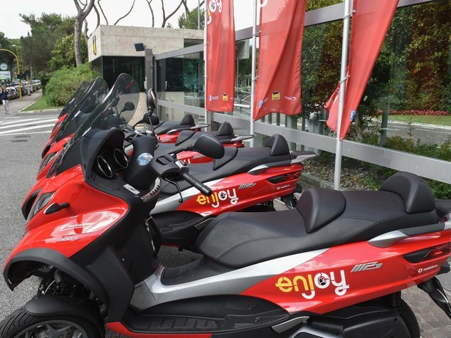 Eni, parte a Roma lo scooter sharing targato Enjoy