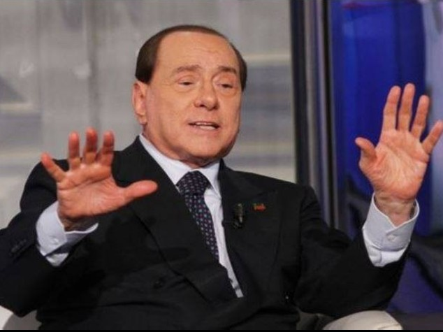 Berlusconi salvato in Senato, scontro Pd-M5s
