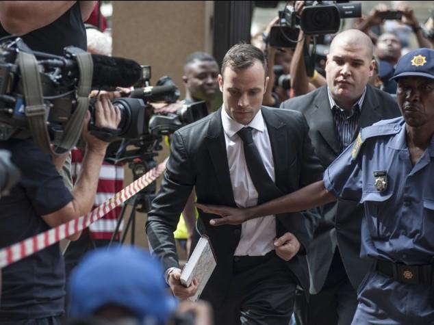 Pistorius: davanti a Corte Suprema per pena omicidio Reeva