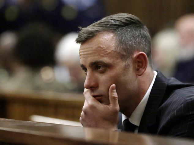 """Pistorius tenta suicidio, ricoverato con """"ferite ai polsi"""""""