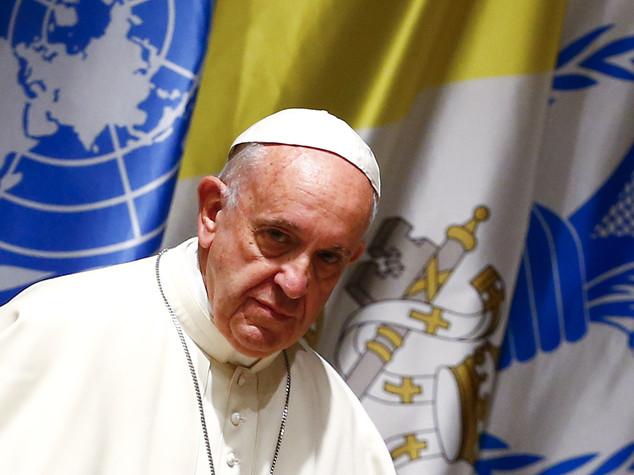 Papa, ipocrita dirsi cristiani e cacciare i rifugiati