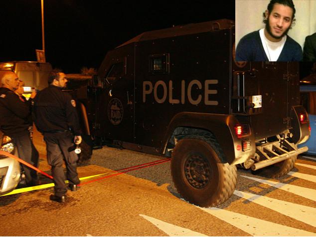 Torna la paura a Parigi, uccide agente e sua compagna