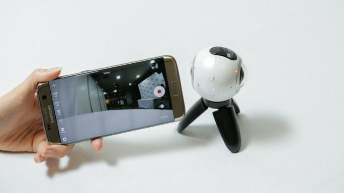 Samsung lancia Gear 360, fotocamera panoramica a 359 euro