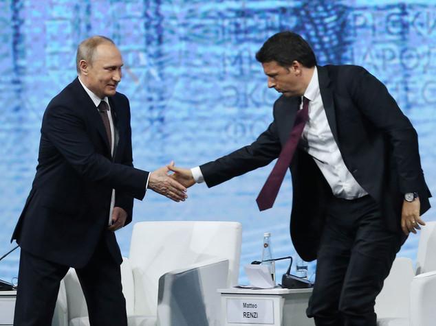 Gas: Putin, con Renzi abbiamo parlato di Nord Stream 2