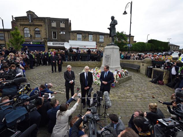 """Omaggio Cameron e Corbyn a Cox, appello alla """"tolleranza"""""""