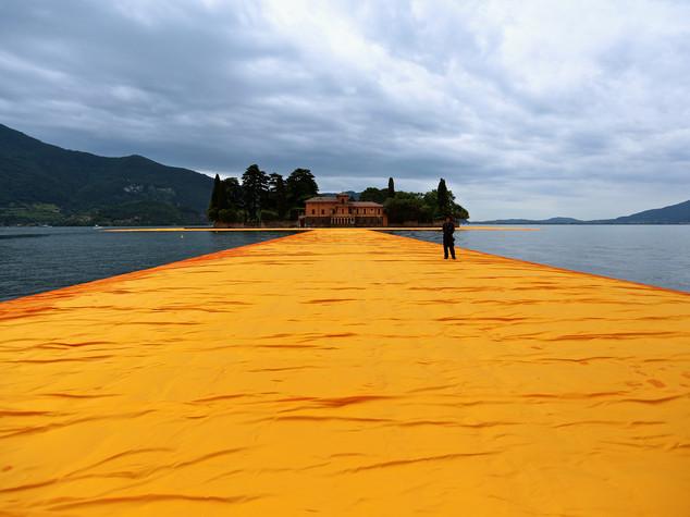 The Floating Piers, si cammina sull'acqua conl'opera di Christo