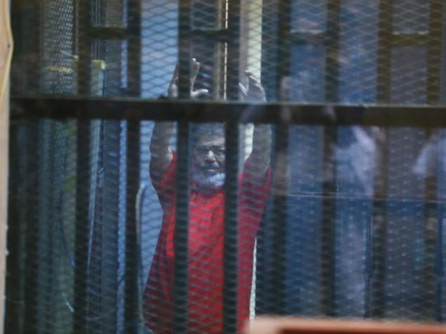 Egitto, ergastolo per l'ex presidente Mohammed Morsi