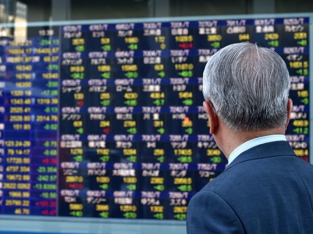 Borsa Tokyo chiude in forte calo, Nikkei -1,73%
